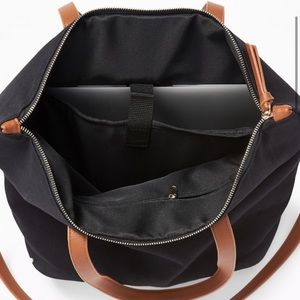 Old Navy Bags - 🆕 Water & Stain Repellant Canvas Tote in Black